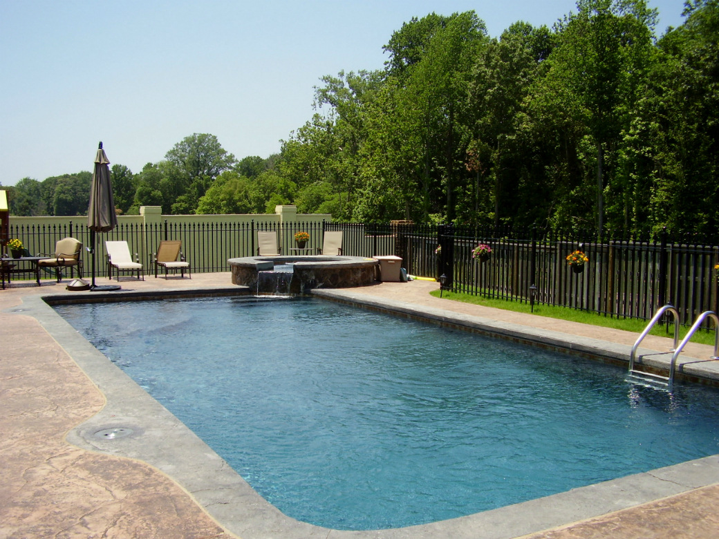 Pool showcase advanced pools inc memphis tn for Pool builders