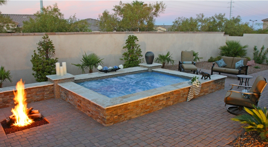 Spa In Swimming Pool: Should You Get An Above Ground Swimming Pool?