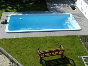 Keep cool in your Memphis, TN swimming pool - Advanced Pools Inc ...