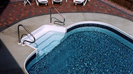 How to choose the best pool shape for your pool