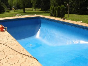 Tips for designing your family swimming pool