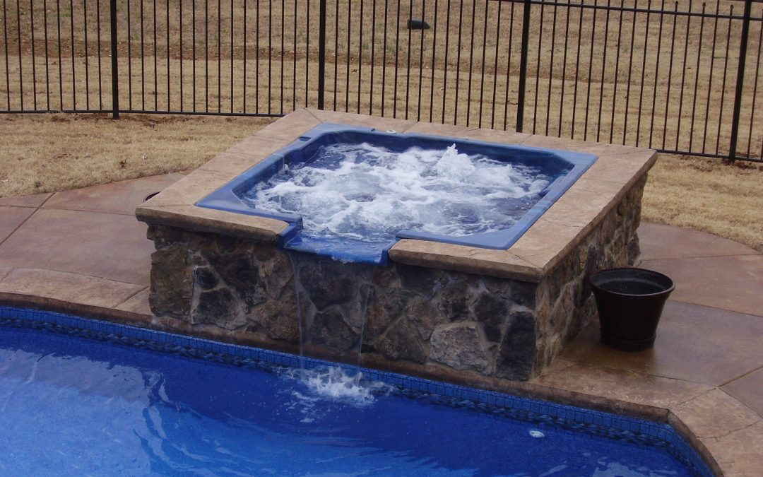 How to get mold out of hot tub