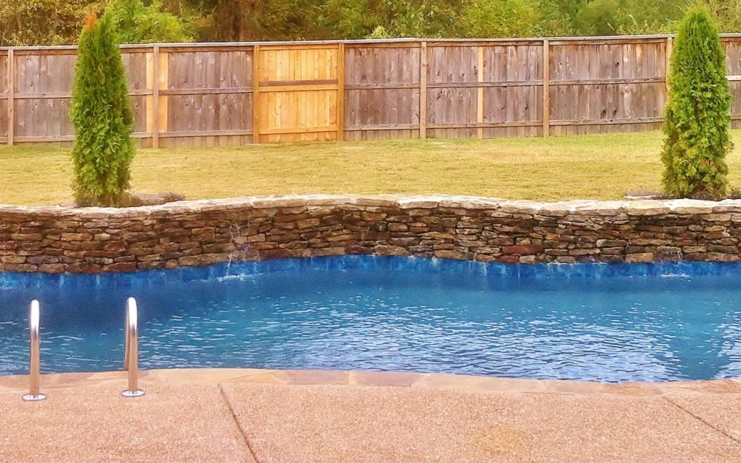 How to clean the swimming pool steps