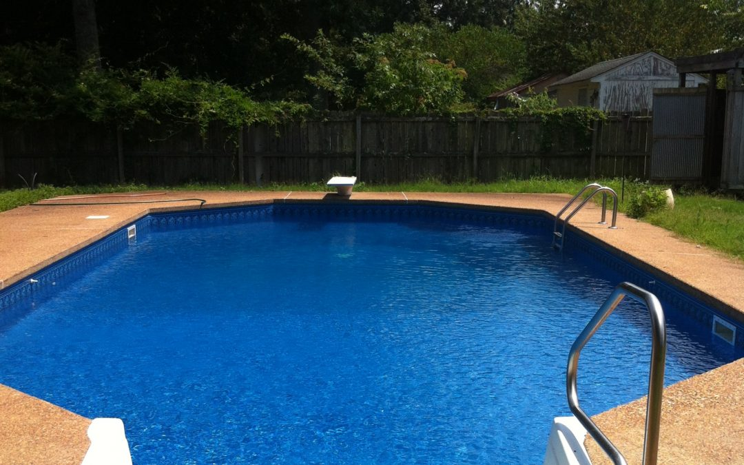 How to care for the swimming pool ladder